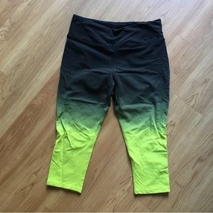 NEVER BEEN WORN Nike athletic pants